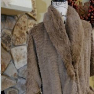 LADIES SHRUG/JACKET FAUX FURRY SOFT!